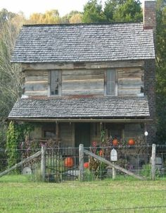 Awesome Choices to build your dream log cabin in the woods or next to a creek. A necessity to escape from our crazy crazy life. Old Cabins, Cabins And Cottages, Cabins In The Woods, Rustic Cabins, Log Cabin Living, Log Cabin Homes, Little Cabin, Cozy Cabin, Old Houses