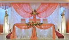 Wedding Cake Display, Head Table Wedding, Wedding Wall, Wedding Reception Tables, Coral Wedding Decorations, Tea Party Decorations, Backdrop Decorations, Glitter Backdrop, Birthday Photo Frame