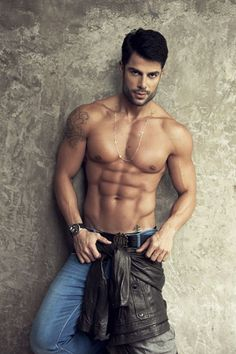Bruno Pacheco. Can't get enough of these Brazilian men.