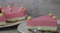 Receta de Tarta de chocolate blanco y fresa | Cocina Familiar