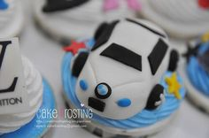 Cupcake Toppers, Car Cupcakes, Cake Pops, Macarons, Frosting, Bmw, Cake Ideas, Madness, Desserts