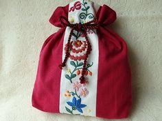 マチョー刺繍の巾着 カシス