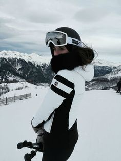 The Blab Ripclear is easy to apply and will keep your goggles lasting longer. Ski with better vision, get yours today and see for yourself. Click the link in our bio. Ski Fashion, Arab Fashion, Sporty Fashion, Sporty Chic, Fashion Spring, Fashion Women, Winter Fashion, Ski Bunnies, Snowboarding Outfit