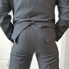 Looking Dapper, Muscle Men, Stylish Men, Sensual, Slacks, Mens Suits, Sexy Men, Boys, Elegant