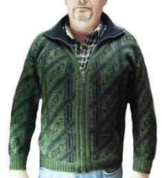 Dicke grüne Herren Rollkragen #Strickjacke aus peruanischer #Alpakawolle.