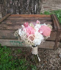 Hoy se casa Rebeca con este ramo de flores preservadas. #ramodenovia #ramopreservado #bouquet #noviasdeotoño #noviasfloresenelcolumpio