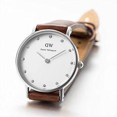Daniel Wellington Classy Women Quartz Watch with Analog Display and Brown Leather Strap - DW00100067