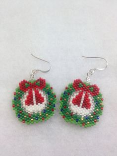 Brick Stitch Christmas Wreath Earrings. #beadwork