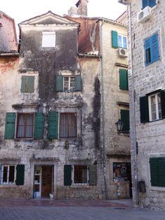Construções bastante antigas Kotor Montenegro