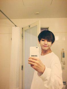 taehyung's selfies