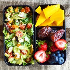 Healthy and delicious #vegan #lunchbox to start the week on track You can find the recipe for this meal and two other #lunch boxes on the YouTube channel (Shine With Plants) @shinewithplants