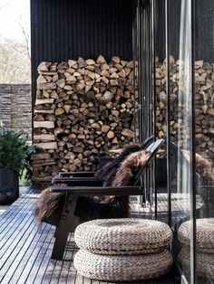 my scandinavian home: Turn Your Outdoor Space Into a Cosy Haven This Autumn / Winter String Lights Outdoor, Outdoor Lighting, Terrasse Design, Large Backyard Landscaping, Backyard Ideas, Pergola Ideas, Patio Ideas, Landscaping Ideas, Patio Grande