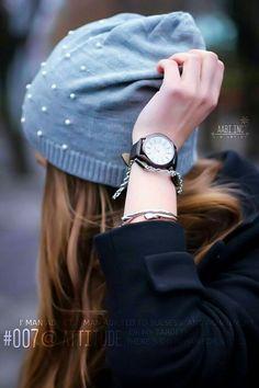 Fashion and style: Beanie with pearls … – Beste Winterbilder Lovely Girl Image, Beautiful Girl Photo, Girls Image, Cute Girl Poses, Cute Girl Photo, Girl Photo Poses, Teenage Girl Photography, Photography Poses Women, Stylish Girls Photos