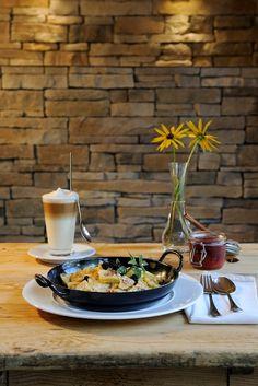 EAT LOVE LIVE Naturbelassene, regionale Zutaten... wir leben, was wir lieben.  More Details: www.forsthofalm.com/de oder www.facebook.com/forsthofalm Wellness, Das Hotel, Love Live, Table Settings, Facebook, Life, Place Settings, Tablescapes