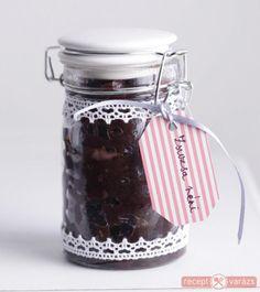 Hagymalekvár Készítsd el akár 2, vagy 12 főre, a Receptvarazs.hu ebben is segít! Mason Jars, Spices, Cooking Recipes, Mugs, Drinks, Bottle, Tableware, Spreads, Foods