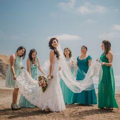 Bodas en la playa #KatanaWedding #matrimoniocompe #bodasperu #bodasenlaplaya #playa #matrimonioplayero #bodasenverano #verano Bridesmaid Dresses, Wedding Dresses, Beautiful, Popular, Love, Videos, Youtube, Fashion, Frases