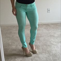 Express Seafoam Green Ankle Jeans Pretty ankle jeans in Seafoam green color. Only worn once for a couple hours, perfect condition. Would be fun for St. Patty's to throw on with cute nude or black heels! ☘ Express Jeans Ankle & Cropped