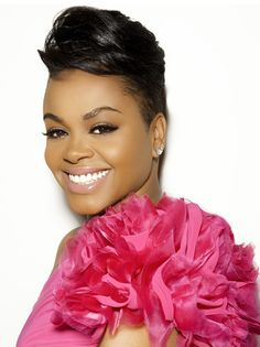 That makeup! Just...yes! ------> Jill Scott is so beautiful