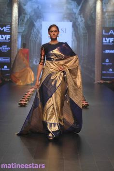 Models Walks For Santosh Parekh At Lakme Fashion Week Winter Festive 2016 - Hot Models Photo Gallery - High Resolution Pictures 6