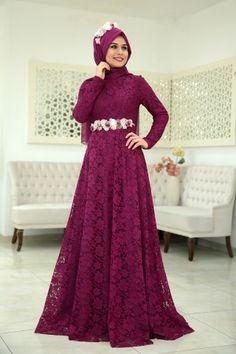 Hijab style - abaya ( modavina.com ) Muslim Evening Dresses, Gold Evening Dresses, Evening Dresses Plus Size, Prom Dresses, Abaya Fashion, Muslim Fashion, Fashion Dresses, Fashion Muslimah, Hijabi Gowns