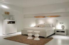 белая спальня в деревянном доме - Поиск в Google
