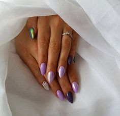 Purple LOVE Emotikon smile  SPN: Frozen Gel, UV LaQ 522 Blueberry, UV LaQ 609 Pastel Violet, Efekt Syrenki & Swarovski Crystals Nails by: Agnieszka Hausman, SPN Nails UK Team