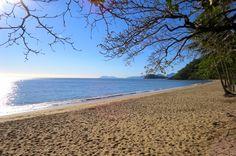 Trinity Beach in Cairns ~ Six Aussie beaches perfect for families. www.parkmyvan.com.au #ParkMyVan #Australia #Travel #RoadTrip #Backpacking #VanHire #CaravanHire