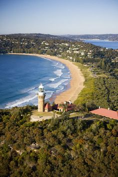 Barranjoey Headland, and one of Sydney northern beaches, Palm Beaches, NSW, Australia .v@e.