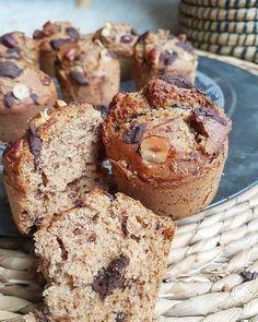 Muffins à la noisette, sarrasin et chocolat noir, sans sucres ni matières grasses ajoutés (sains et vegan) – By Flora B