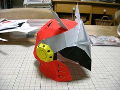 ブチエージャーヘルメット papercraft