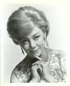 Banks and A Little Night Music fame Glynis Johns, A Little Night Music, Retro Pin Up, Black And White Portraits, Iconic Women, Vintage Glamour, Hollywood Glamour, Banks, Amazing Women