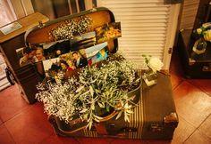 #BodaSomethingBlue Decoración de Bodas, Love letters, Boda Romántica, Bodas con Detalles, Seating Plan, Maletas Vintage (www.weddingplannermadrid.com)
