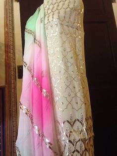 Shading Indian Party Wear, Indian Wear, Ethnic Outfits, Indian Outfits, Pakistani Dresses, Indian Dresses, Boutique Suits, Indian Attire, Indian Designer Wear