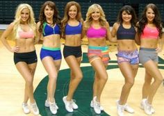 The Oregon Ducks cheerleaders for the 2013-14 college football season have been announced. Enjoy the photo gallery.