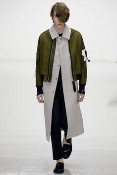 http://www.vogue.com/fashion-shows/fall-2016-menswear/matthew-miller/slideshow/collection