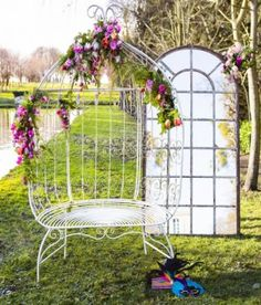 Arche loveuse French Antique Wedding