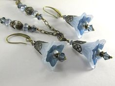 Denim Blues Lucite Lily Flower Necklace and Earring Set on