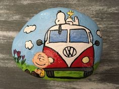 bemalte kieselsteine 99 Marvelous Diy Projects Painted Rocks Animals Horse Ideas For Summer - What a cleaver idea, painting on rocks! We have all seen cute little rock animals, or beautiful woks of art on boulders. The question is, how can we a. Rock Painting Patterns, Rock Painting Ideas Easy, Rock Painting Designs, Pebble Painting, Pebble Art, Stone Painting, Painted River Rocks, Hand Painted Rocks, Stone Crafts