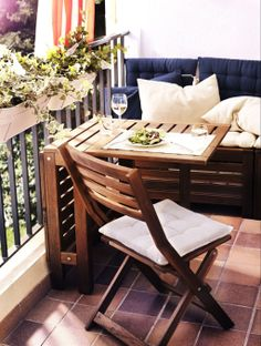 55 Super cool and breezy small balcony design ideas - Balkonien - Balcony Furniture Design Apartment Balcony Decorating, Apartment Balconies, Apartment Living, Cozy Apartment, Apartment Balcony Garden, Apartment Design, Decorating Small Apartments, Small Balcony Design, Tiny Balcony