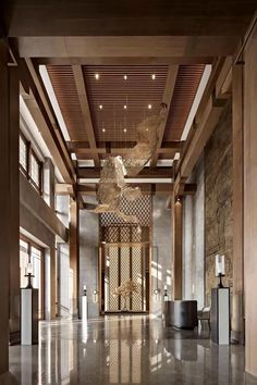 When it comes to getting a hotel ready to greet its guests, a lobby design is a tell-all. The entrance to a brand new world of luxury, these luxurious hotel lob Hotel Lobby Design, Lobby Do Hotel, Hotel Bedroom Design, Design Living Room, Luxury Interior, Hotel Lobby Interior Design, Room Interior, Hotel Design Architecture, Interior Shop