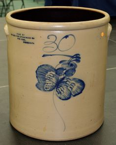 Main_photo  30-Gallon Butterfly Crock Brings $12,750 at Red Wing Collectors Society Auction