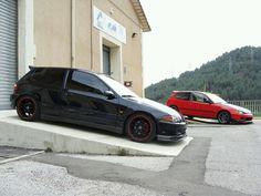 Nothing says JDM like two Honda Civic's laying to rest