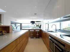 Sydney residence with a striking street presence   Designhunter - architecture & design blog