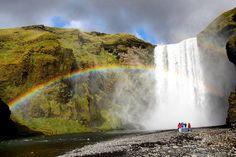 Momento inspiração: Islândia! O roteiro completo você encontra em http://ift.tt/1ZbGH4z  #islandia #iceland #missaovt #pegadasnaestrada #picofftheday #landscape #aquelasuaviagem #trip #revistaadv #liveoutdoors #instatravel #trip #traveling #europa #viajenaviagem #viajar #melhoresdestinos #lonelyplanet #awesome