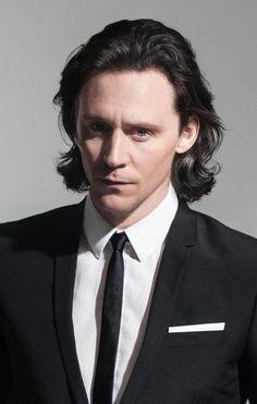Marvel Actors, Loki Thor, Loki Laufeyson, Marvel Avengers, Marvel Memes, Thomas William Hiddleston, Tom Hiddleston Loki, Loki Aesthetic, Johny Depp