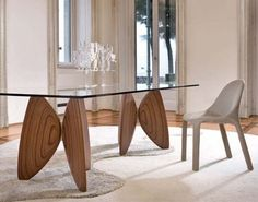 Butterfly Vanessa Dining Table by Bartoli