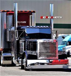 big trucks and girls Peterbilt 379, Peterbilt Trucks, Chevy Trucks, Dually Trucks, Custom Peterbilt, Rv Truck, Truck Art, Mack Trucks, Show Trucks