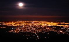 San Miguel de Tucuman de noche desde el Cerro San Javier, Tucuman, Argentina.