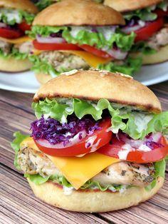 Chicken Burgers With Yogurt Pesto Sauce | YummyAddiction.com | #burger #slider #chicken #recipe #lunch