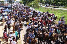 Cavalgada marca início da Expoimp 2012